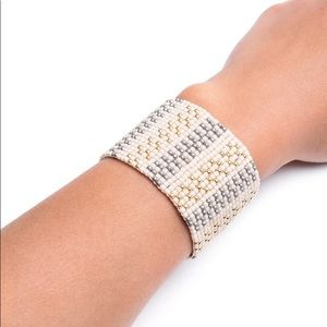 Jewelry - Handmade loom beaded bracelet